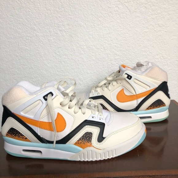 newest 7eb16 eef75 New, Nike Air Tech Challenge II Kumquat